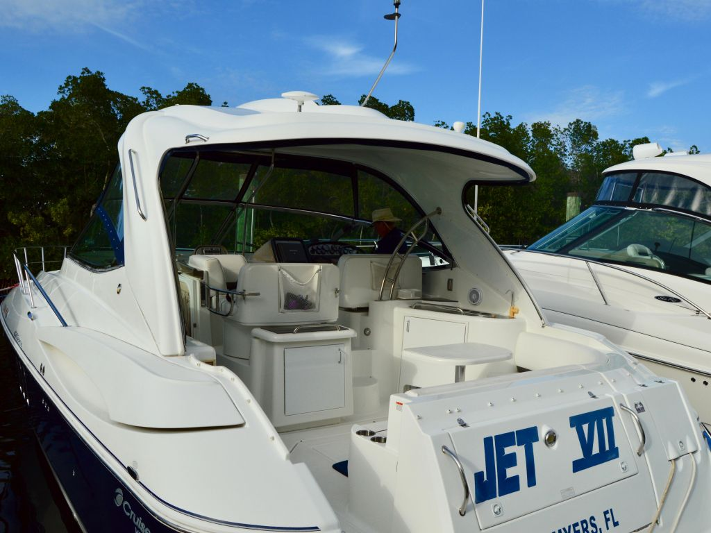 2008 Cruisers Yachts boat for sale, model of the boat is 420 Express & Image # 21 of 49