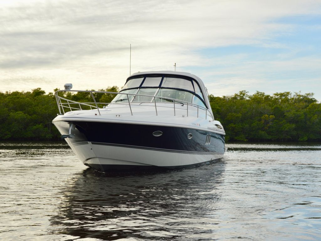 2008 Cruisers Yachts boat for sale, model of the boat is 420 Express & Image # 14 of 49