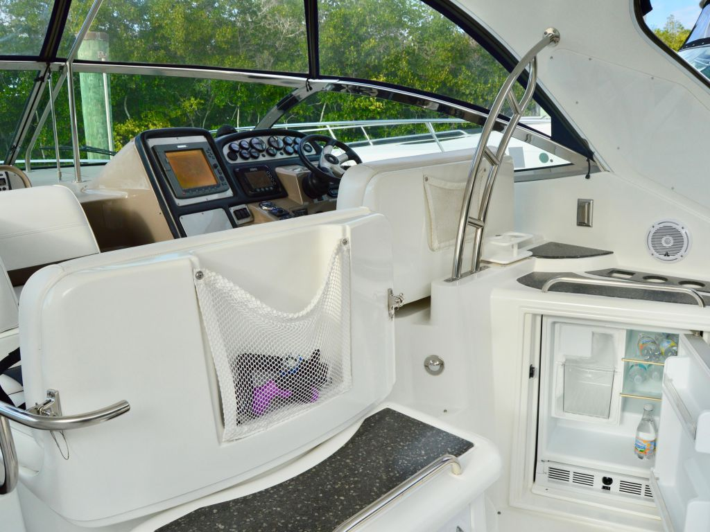 2008 Cruisers Yachts boat for sale, model of the boat is 420 Express & Image # 36 of 49