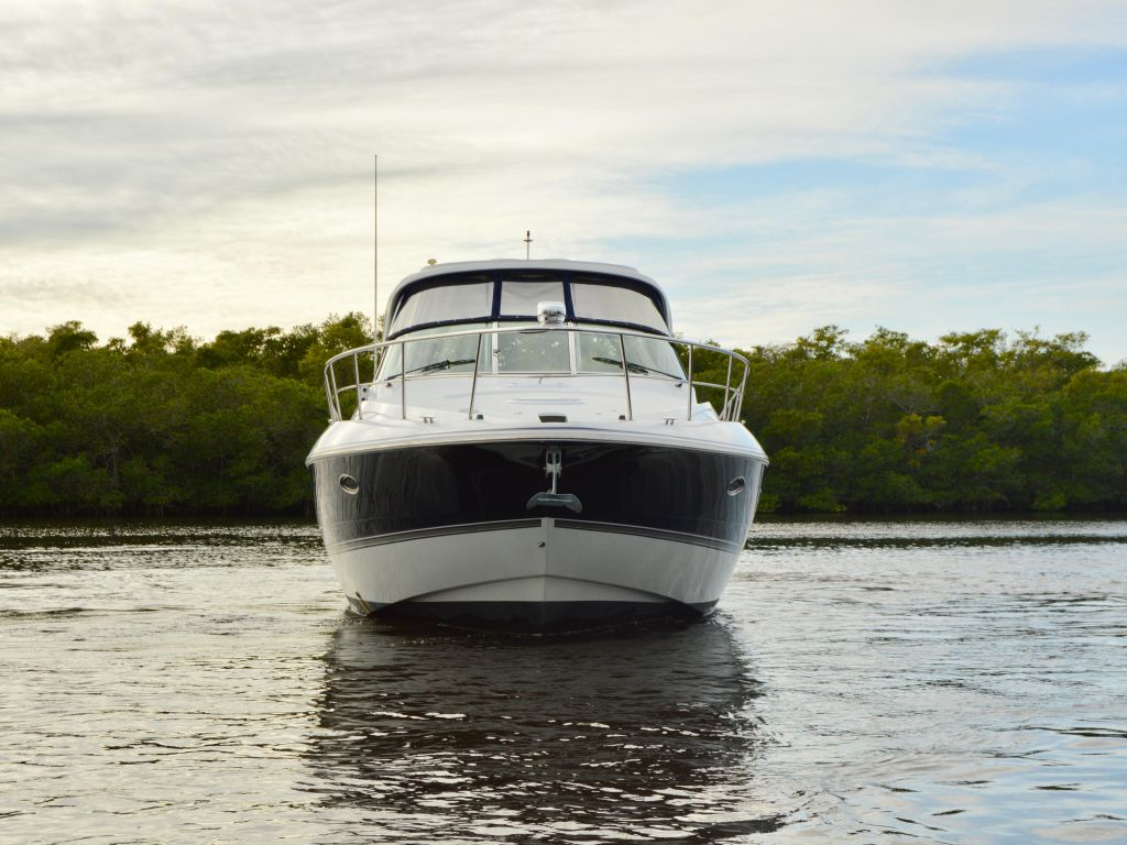 2008 Cruisers Yachts boat for sale, model of the boat is 420 Express & Image # 13 of 49