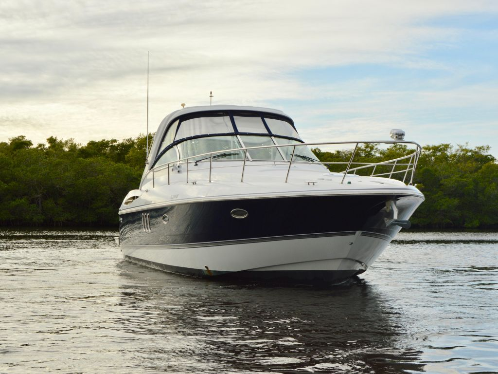 2008 Cruisers Yachts boat for sale, model of the boat is 420 Express & Image # 5 of 49