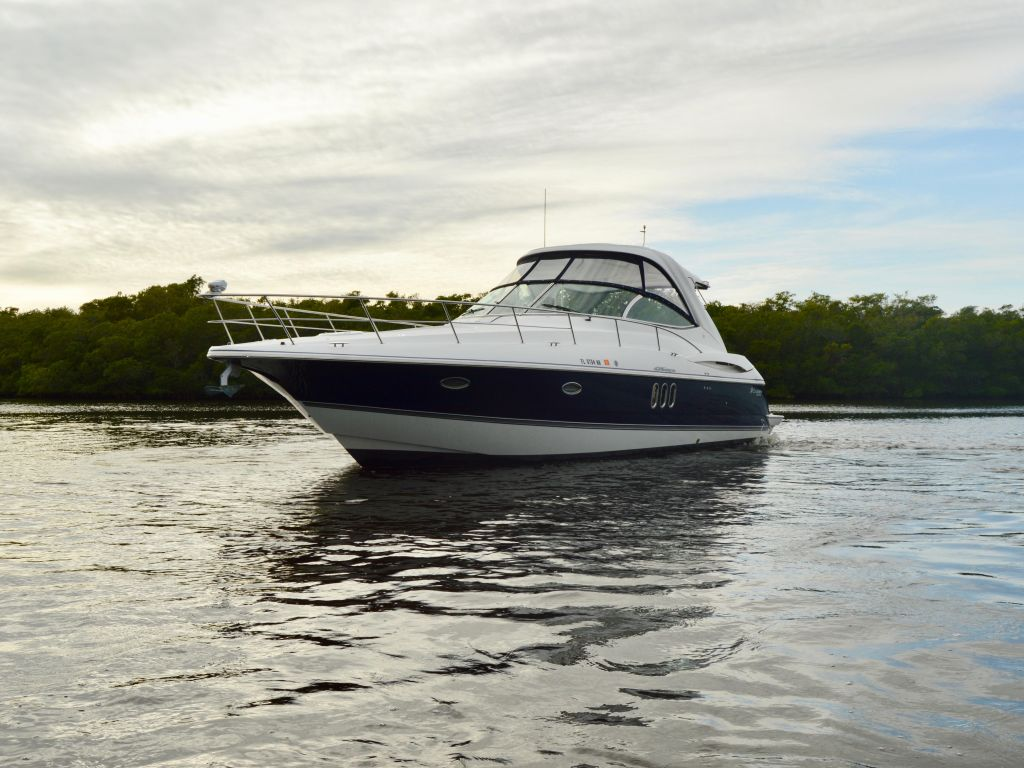 2008 Cruisers Yachts boat for sale, model of the boat is 420 Express & Image # 16 of 49