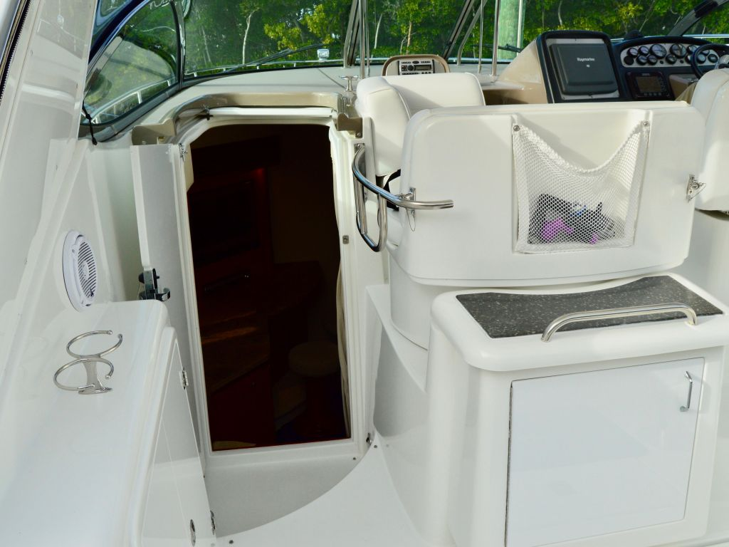 2008 Cruisers Yachts boat for sale, model of the boat is 420 Express & Image # 33 of 49