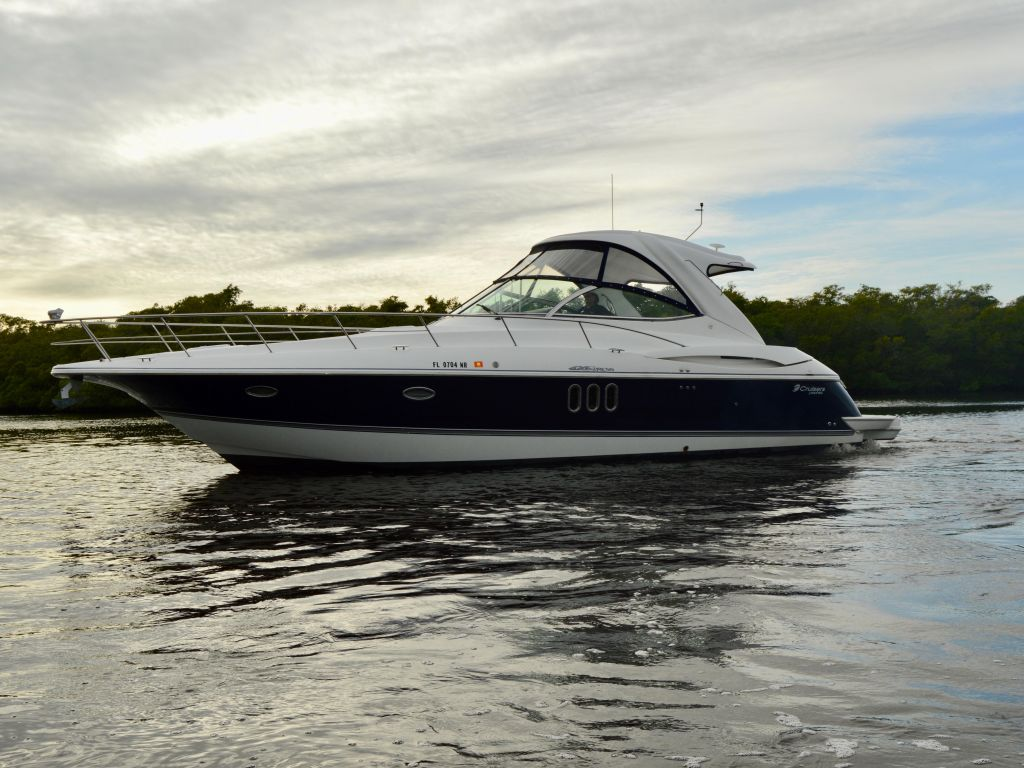 2008 Cruisers Yachts boat for sale, model of the boat is 420 Express & Image # 3 of 49