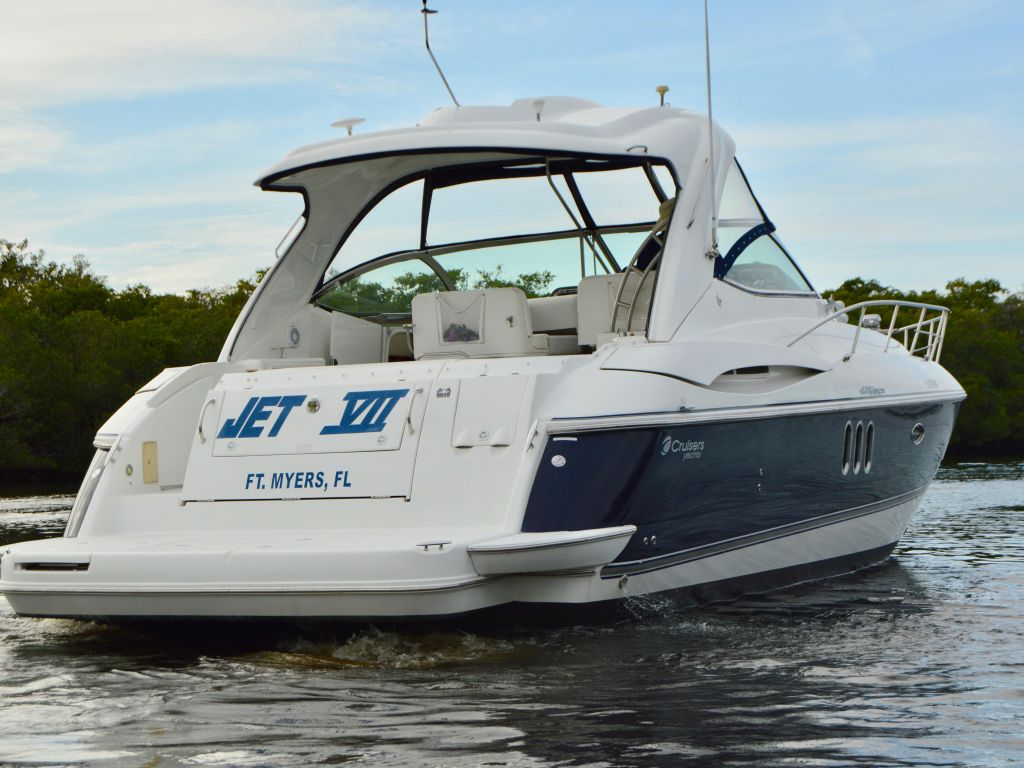 2008 Cruisers Yachts boat for sale, model of the boat is 420 Express & Image # 27 of 49