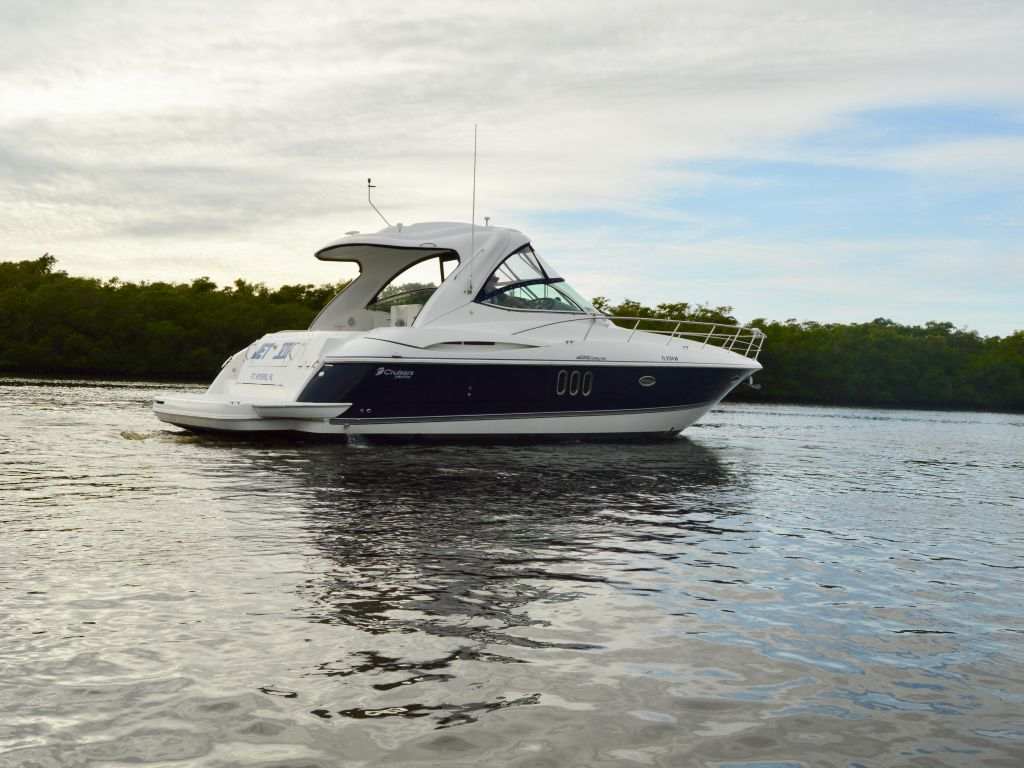 2008 Cruisers Yachts boat for sale, model of the boat is 420 Express & Image # 11 of 49
