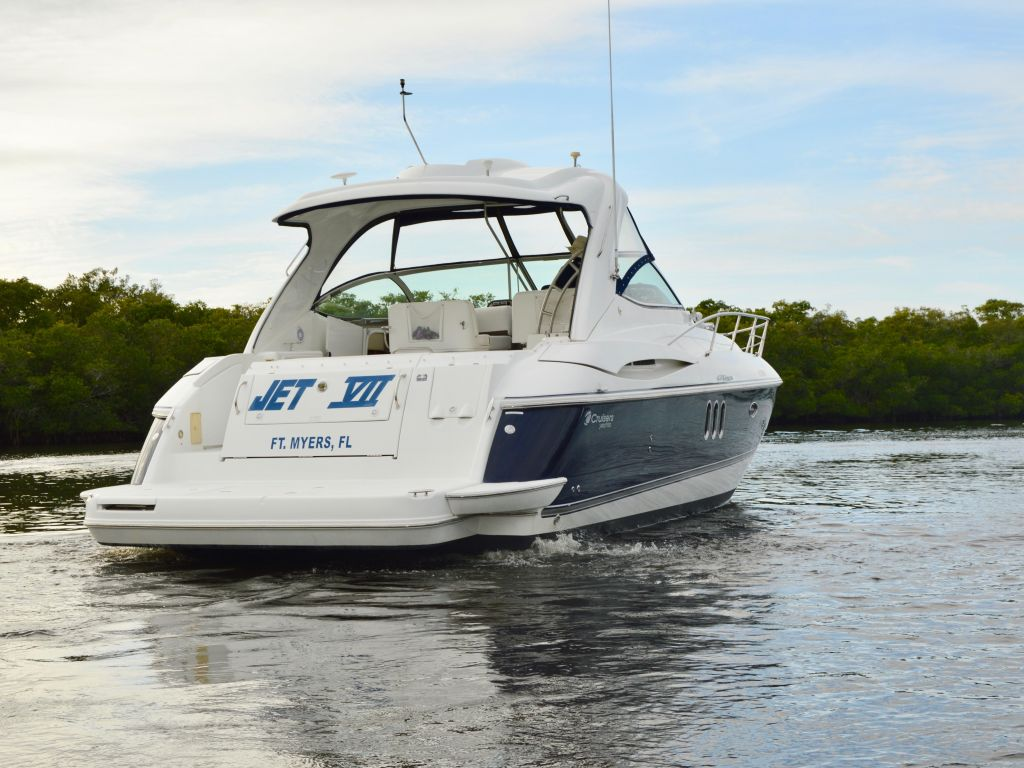 2008 Cruisers Yachts boat for sale, model of the boat is 420 Express & Image # 26 of 49