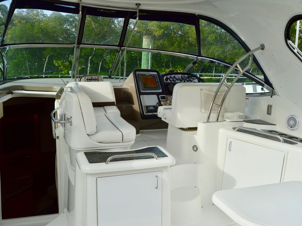 2008 Cruisers Yachts boat for sale, model of the boat is 420 Express & Image # 34 of 49