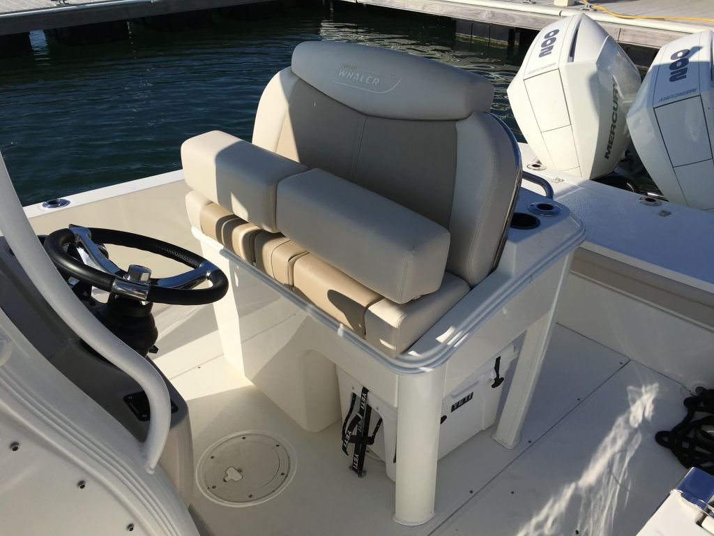 2019 Boston Whaler boat for sale, model of the boat is 270 Dauntless & Image # 19 of 47