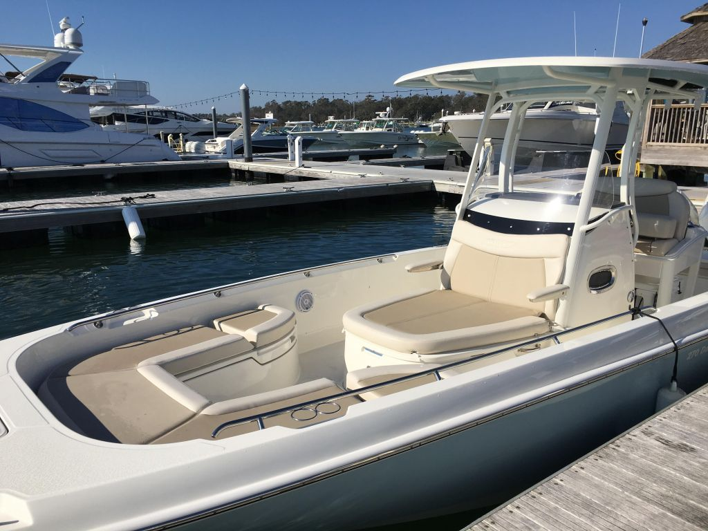 2019 Boston Whaler boat for sale, model of the boat is 270 Dauntless & Image # 10 of 47