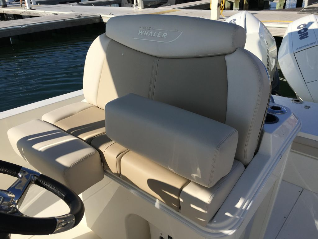 2019 Boston Whaler boat for sale, model of the boat is 270 Dauntless & Image # 18 of 47