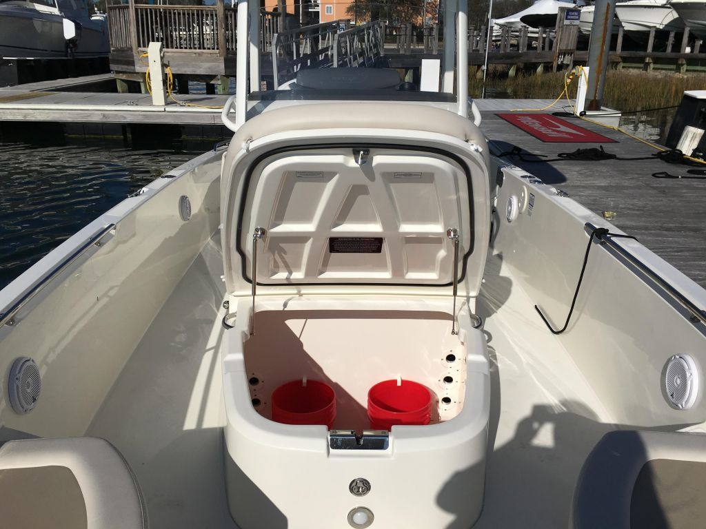 2019 Boston Whaler boat for sale, model of the boat is 270 Dauntless & Image # 32 of 47