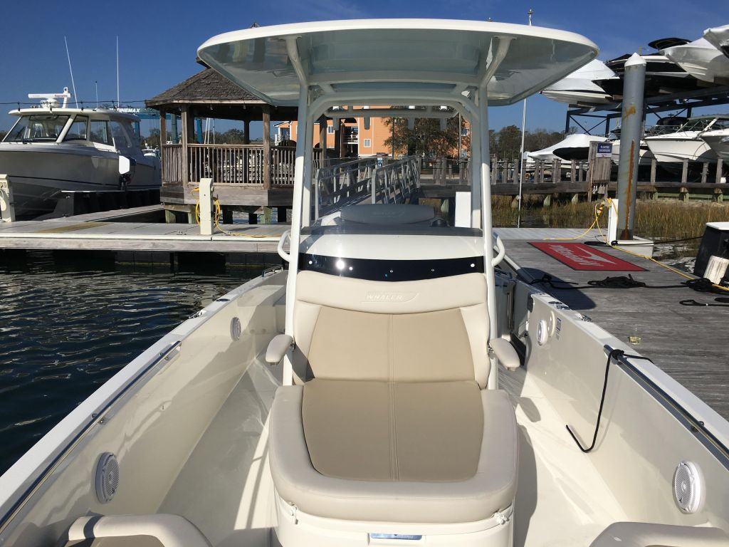 2019 Boston Whaler boat for sale, model of the boat is 270 Dauntless & Image # 30 of 47