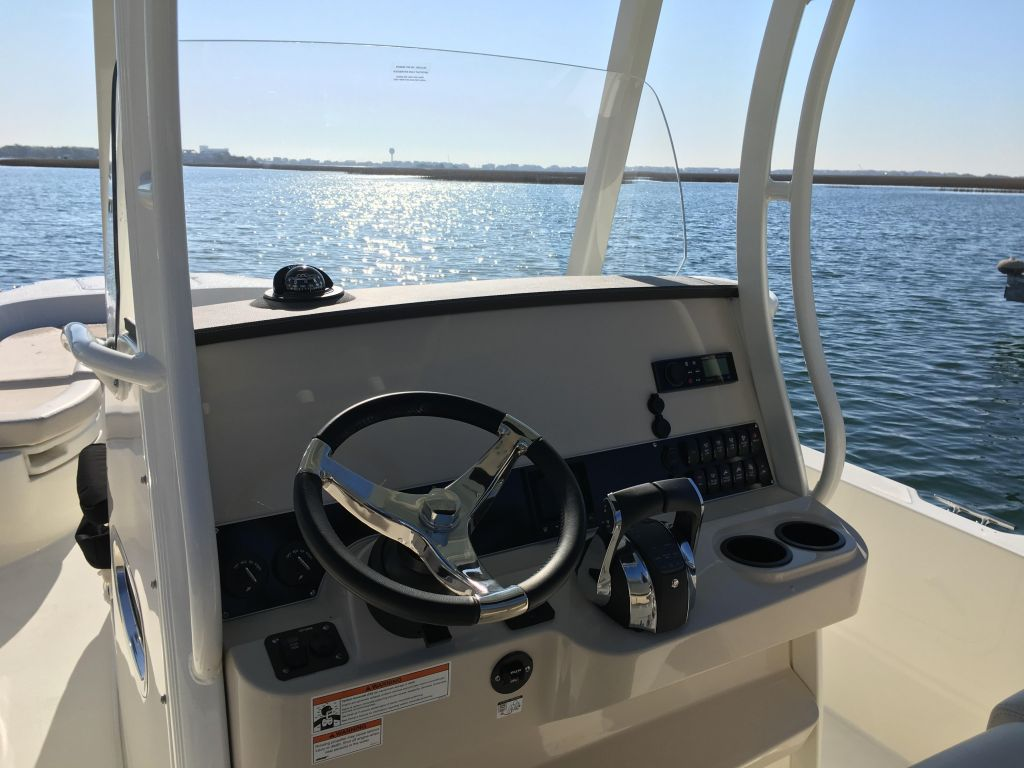 2019 Boston Whaler boat for sale, model of the boat is 270 Dauntless & Image # 12 of 47