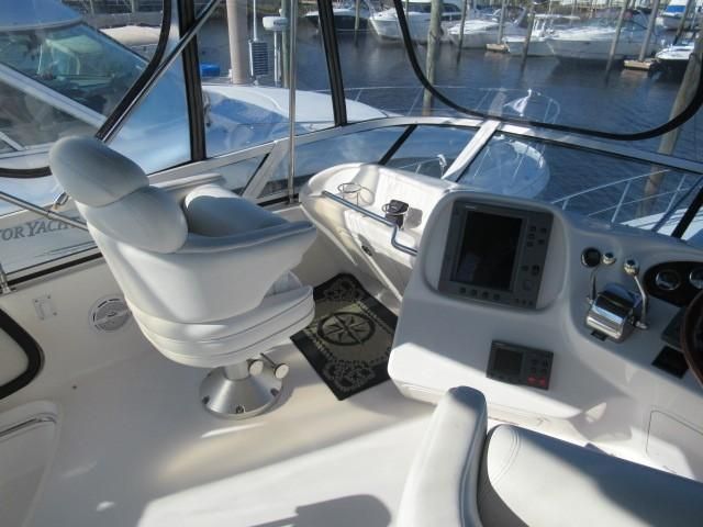 2002 Sea Ray boat for sale, model of the boat is 400 Sedan Bridge & Image # 4 of 46
