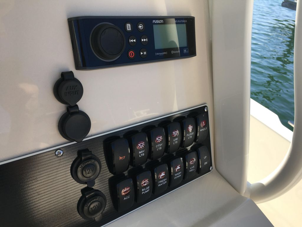 2019 Boston Whaler boat for sale, model of the boat is 270 Dauntless & Image # 16 of 47