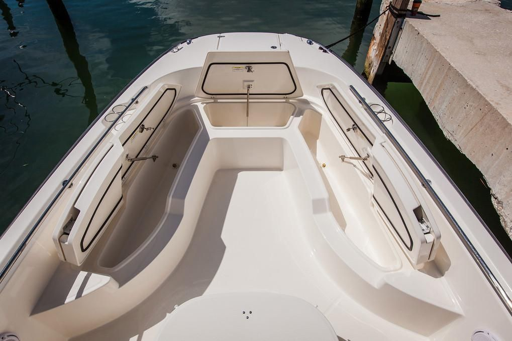 2019 Boston Whaler boat for sale, model of the boat is 270 Dauntless & Image # 2 of 47