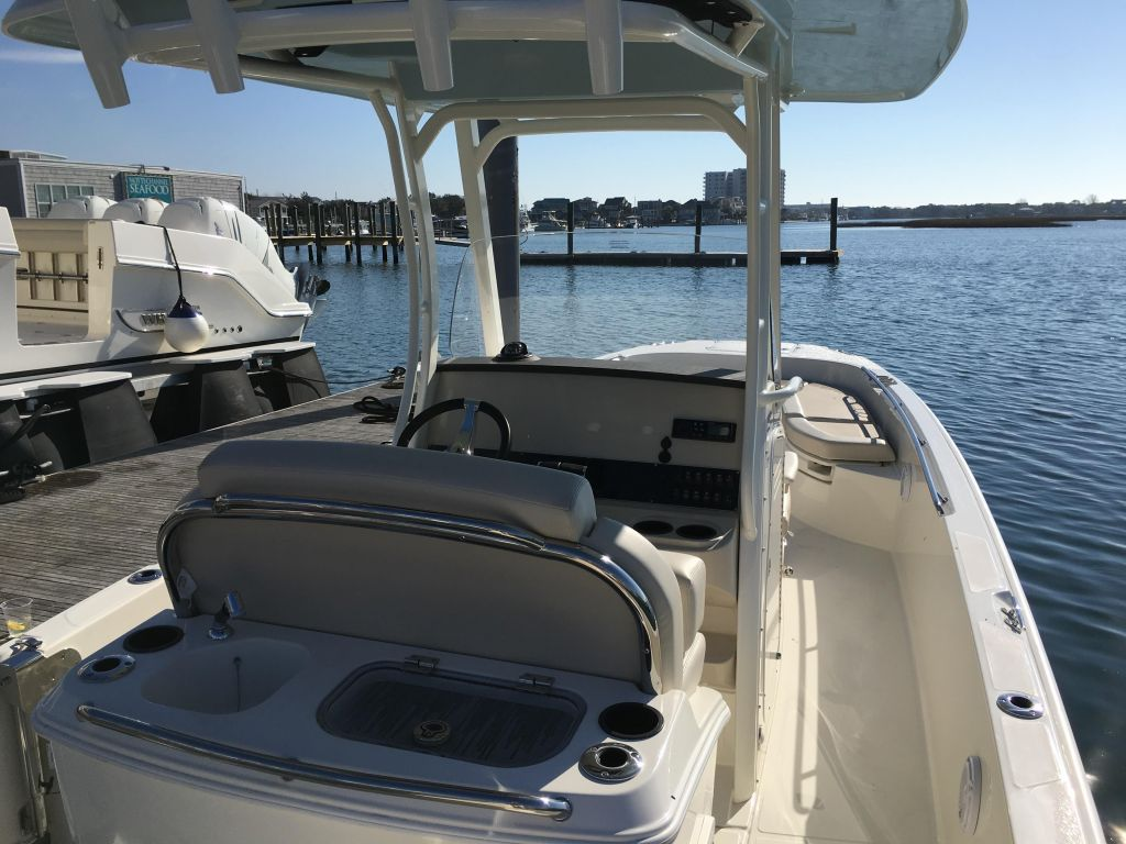 2019 Boston Whaler boat for sale, model of the boat is 270 Dauntless & Image # 36 of 47