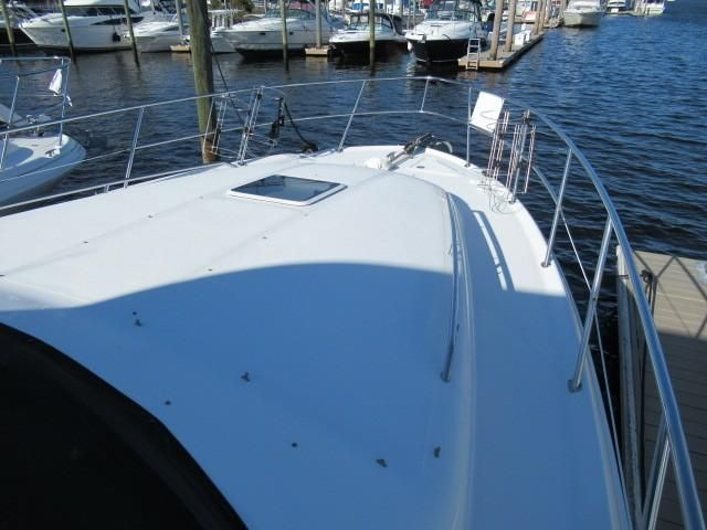 2002 Sea Ray boat for sale, model of the boat is 400 Sedan Bridge & Image # 18 of 46
