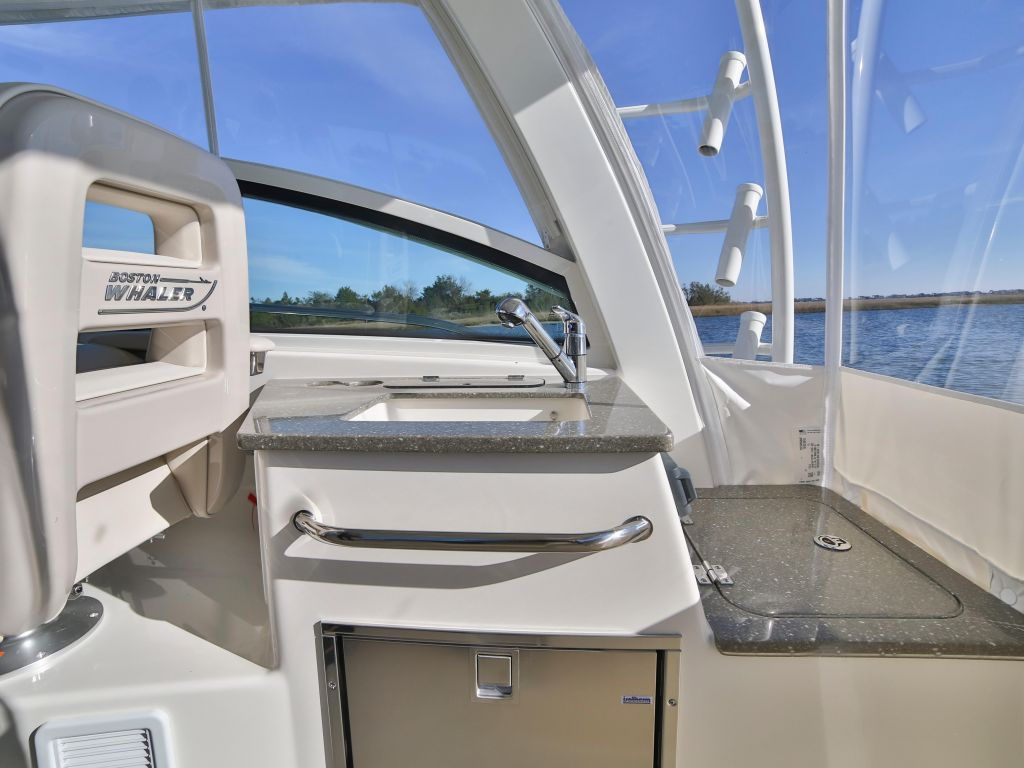 2019 Boston Whaler boat for sale, model of the boat is 345 Conquest & Image # 5 of 47
