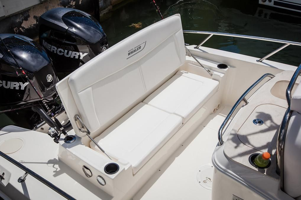 2019 Boston Whaler boat for sale, model of the boat is 270 Dauntless & Image # 6 of 47