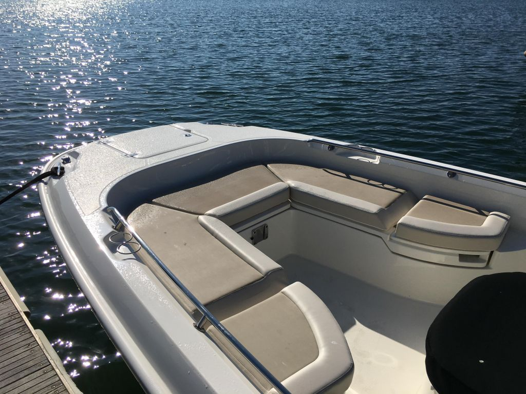 2019 Boston Whaler boat for sale, model of the boat is 270 Dauntless & Image # 25 of 47