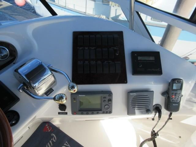 2002 Sea Ray boat for sale, model of the boat is 400 Sedan Bridge & Image # 1 of 46