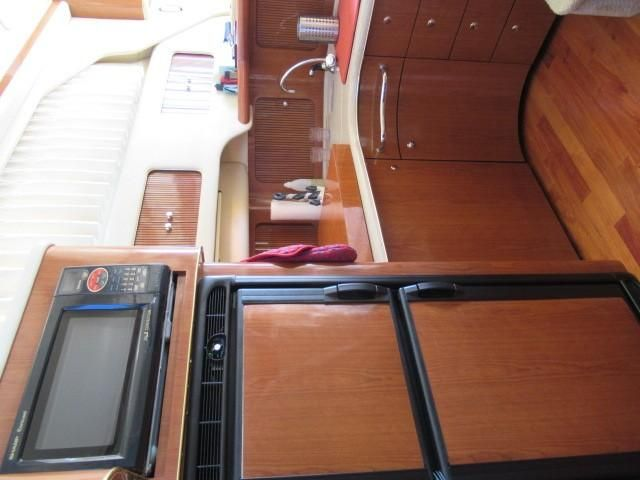 2002 Sea Ray boat for sale, model of the boat is 400 Sedan Bridge & Image # 37 of 46