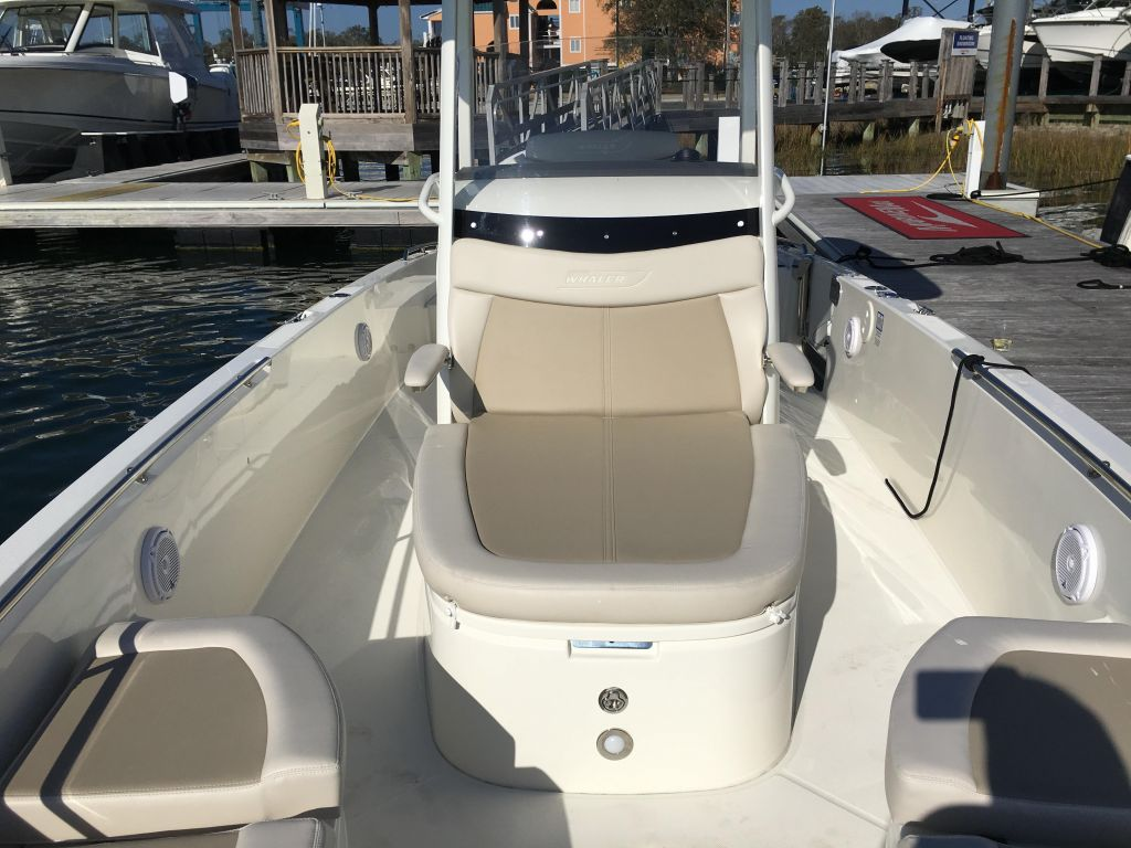 2019 Boston Whaler boat for sale, model of the boat is 270 Dauntless & Image # 31 of 47