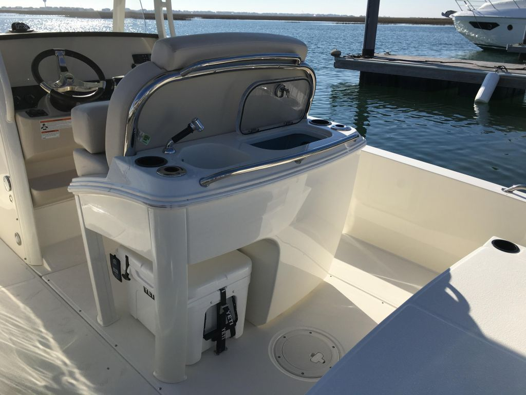 2019 Boston Whaler boat for sale, model of the boat is 270 Dauntless & Image # 37 of 47