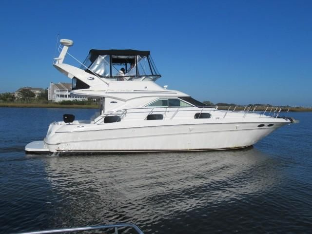 2002 Sea Ray boat for sale, model of the boat is 400 Sedan Bridge & Image # 28 of 46