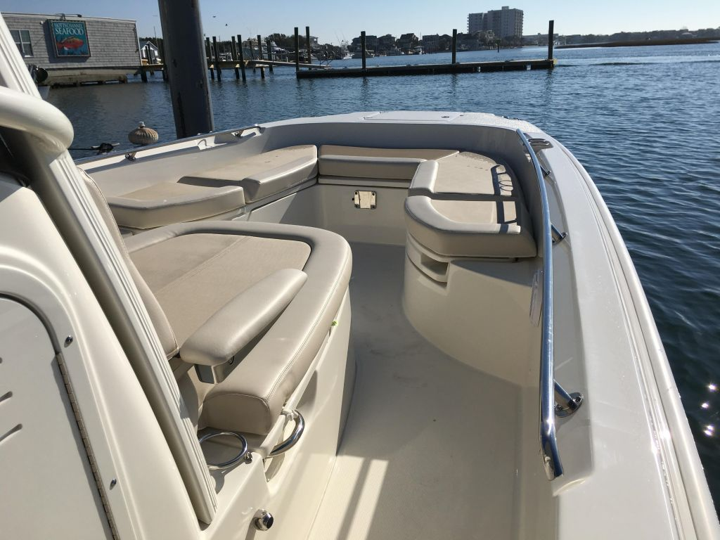 2019 Boston Whaler boat for sale, model of the boat is 270 Dauntless & Image # 24 of 47