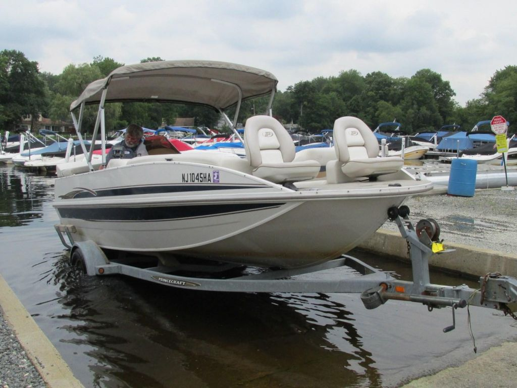 2006 Princecraft boat for sale, model of the boat is Ventura 192V L2S O/B & Image # 60 of 62