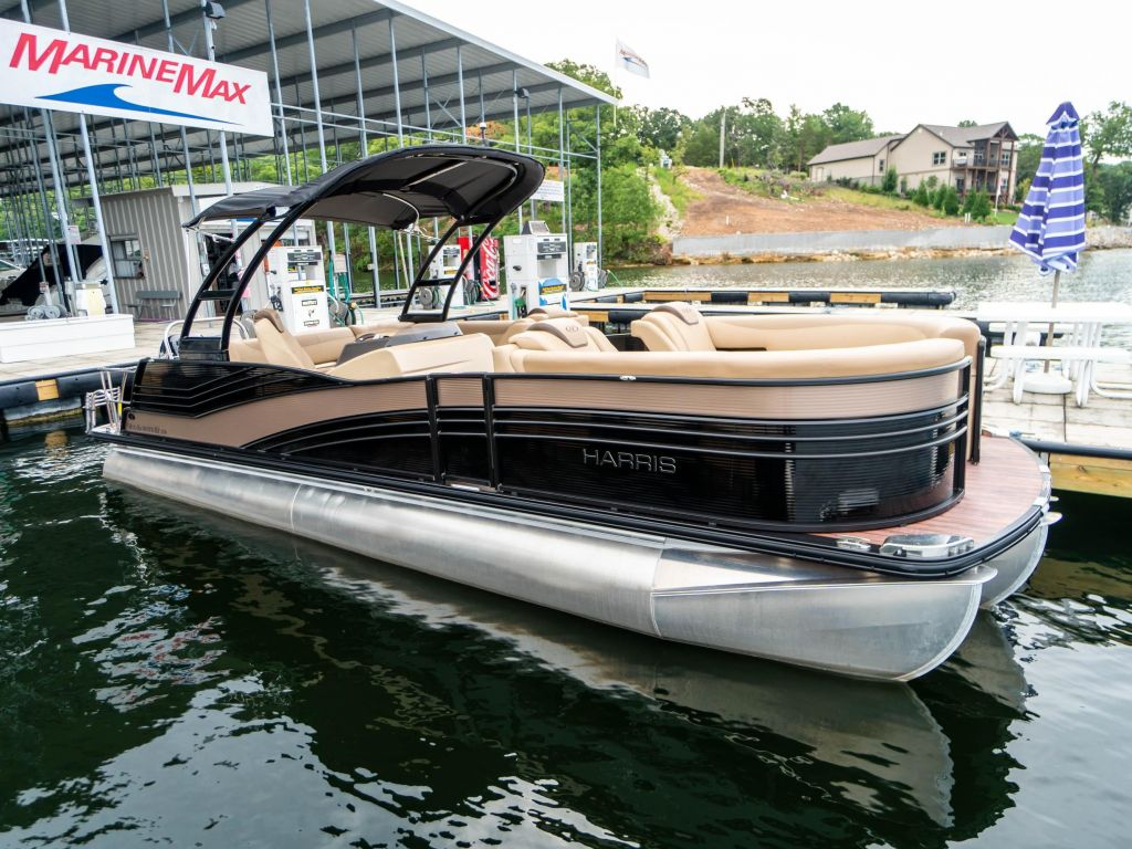 2019 Harris boat for sale, model of the boat is Grand Mariner 250 & Image # 2 of 28