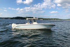 2017 BOSTON WHALER 330 OUTRAGE for sale