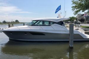 2019 TIARA YACHTS 44COUPE for sale
