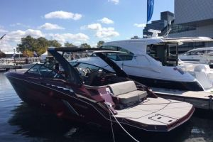 2018 CRUISERS YACHTS 338 SOUTH BEACH EDITION   BOW RIDER for sale