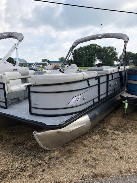 2019 Starcraft boat for sale, model of the boat is EX20C & Image # 2 of 8