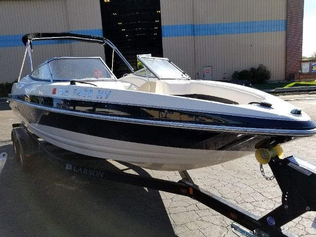 2011 Larson boat for sale, model of the boat is 226 SENZA & Image # 2 of 19