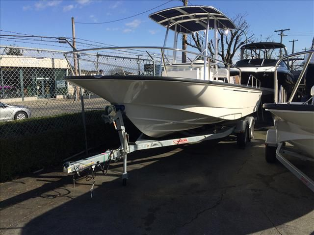 For Sale: 2015 Boston Whaler 210 22ft<br/>M & P Yacht Centre At Coal Harbour