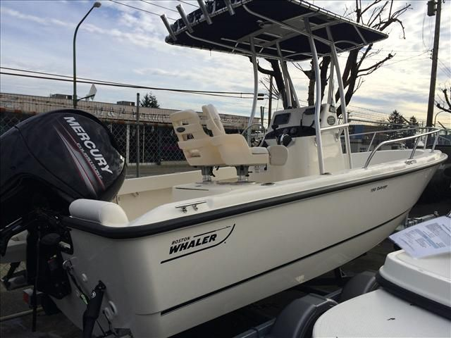 For Sale: 2015 Boston Whaler 190 19ft<br/>M & P Yacht Centre At Coal Harbour