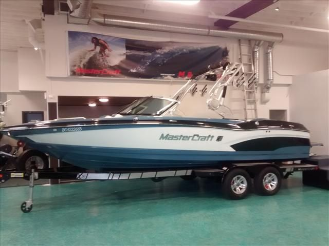 For Sale: 2014 Mastercraft X30 24ft<br/>M & P Yacht Centre At Coal Harbour