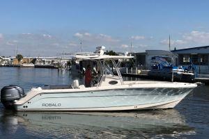 2015 ROBALO R 300 for sale