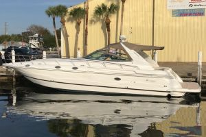 2000 CRUISERS YACHTS 4270 EXPRESS for sale
