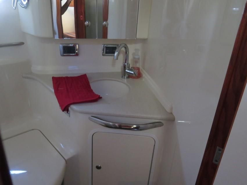 2000 Sea Ray boat for sale, model of the boat is 460 Sundancer & Image # 42 of 53