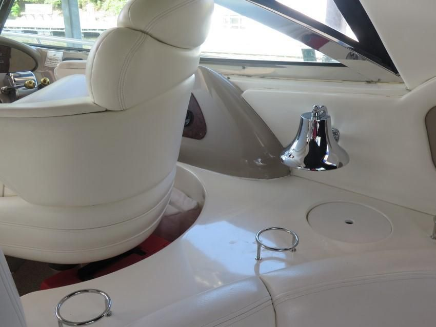 2000 Sea Ray boat for sale, model of the boat is 460 Sundancer & Image # 24 of 53