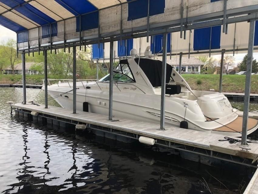 2000 Sea Ray boat for sale, model of the boat is 460 Sundancer & Image # 2 of 53