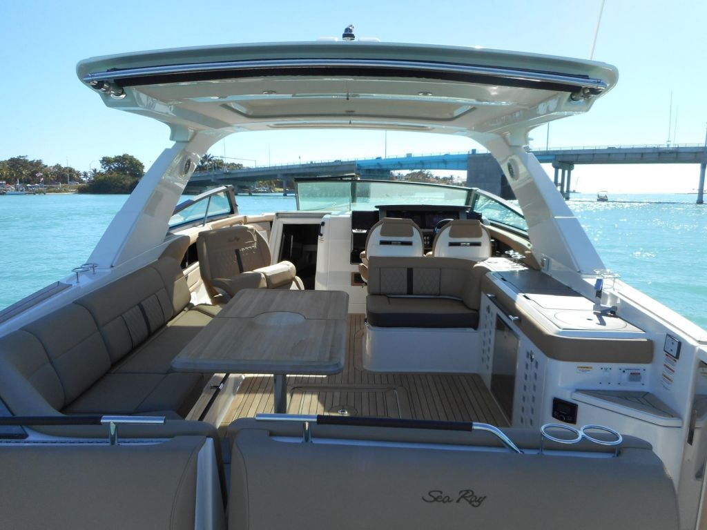 2018 Sea Ray boat for sale, model of the boat is 400 SLX & Image # 19 of 53