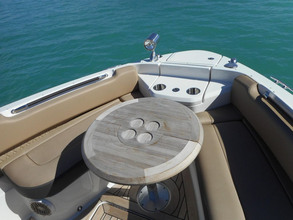 2018 Sea Ray boat for sale, model of the boat is 400 SLX & Image # 25 of 53