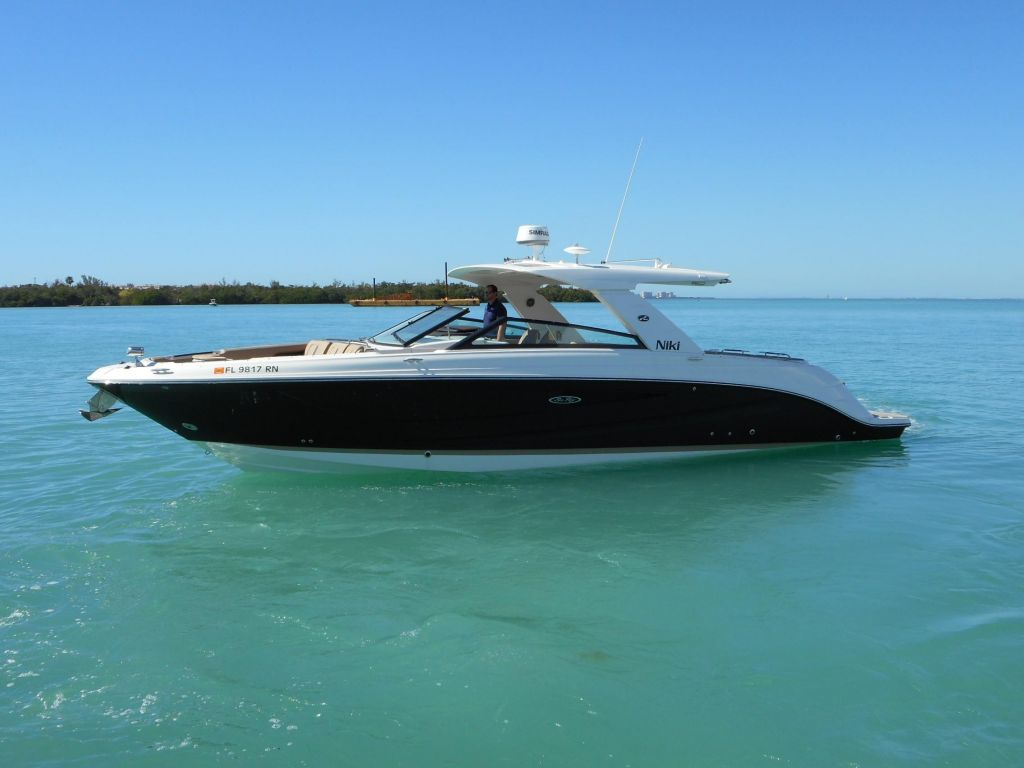 2018 Sea Ray boat for sale, model of the boat is 400 SLX & Image # 7 of 53